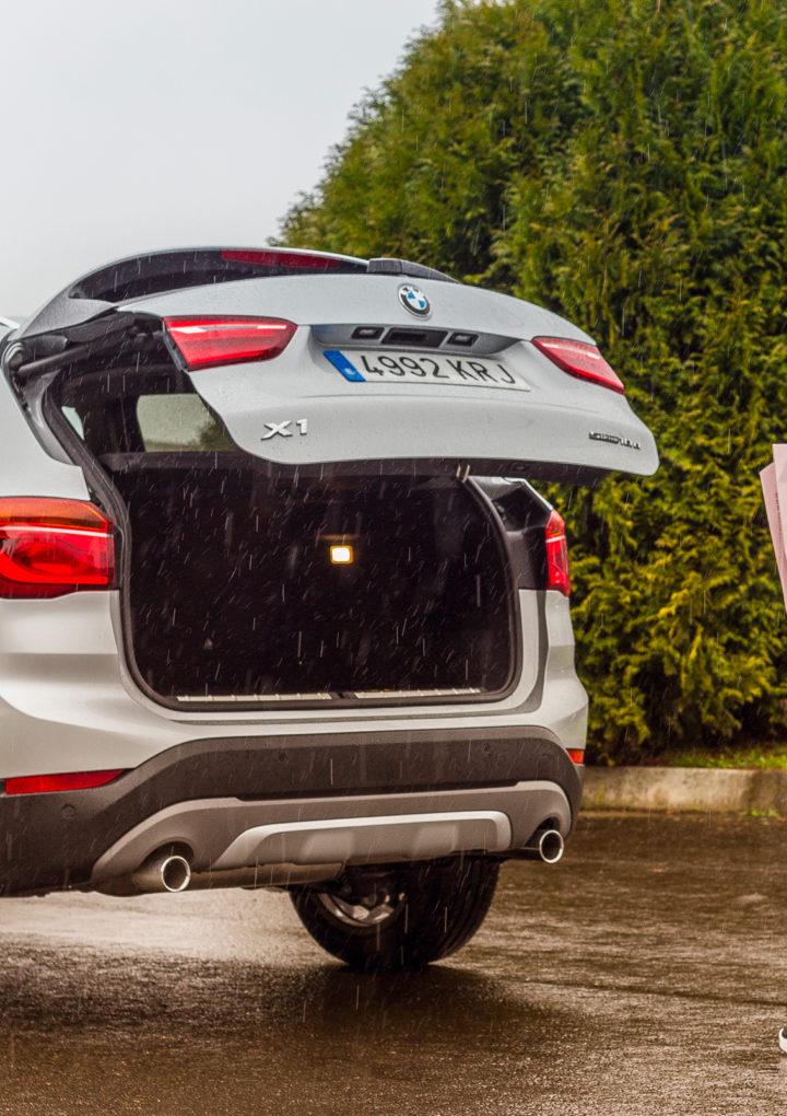Cuca Olveira al volante del BMW X1