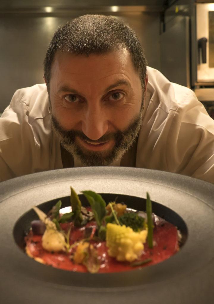Víctor Fábregas cocina en A Horta d'Obradoiro